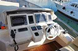 Azimut 70 - click to enlarge