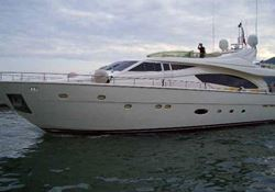 Ferretti 880 - click to enlarge