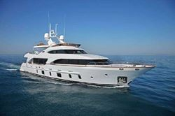 Benetti Tradition 105 - click to enlarge