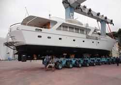 Benetti 27m - click to enlarge