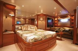 Benetti Tradition BT02 Motor Yacht 100 - click to enlarge