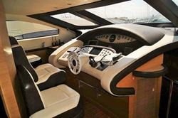 Azimut Leonardo 98 - click to enlarge