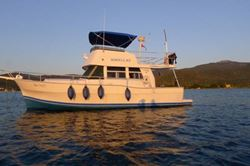 Mainship 390 Trawler - click to enlarge